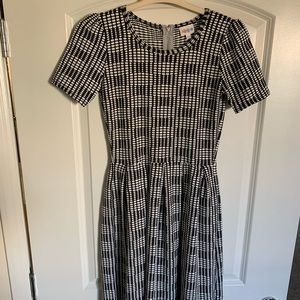 🎀 Lularoe Jacquard Black & White Amelia Dress🎀